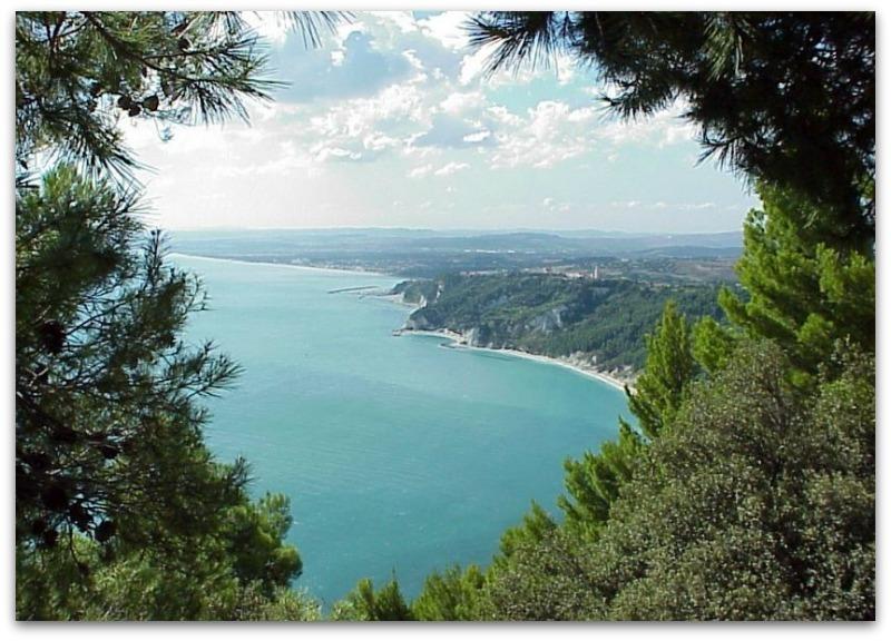 Vakantie Huizen Italie : Vakantiehuizen marche met zwembad italian residence verhuur